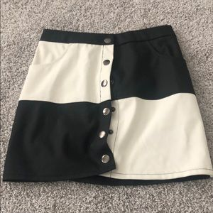 Fashion nova black and white skirt